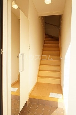カーザ・フェリース Ⅰ 02020号室の玄関