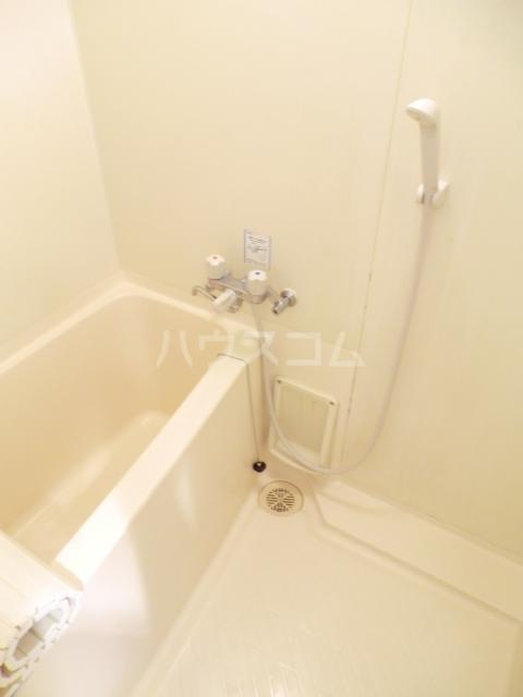 グレイス坂下 205号室の風呂