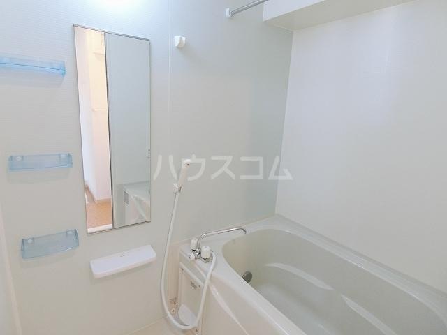 メゾングラシュⅠ 03010号室の風呂