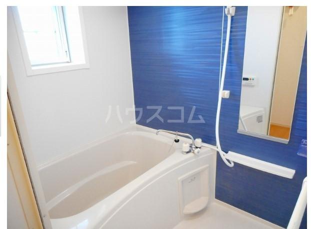 シャイニー 02020号室の風呂