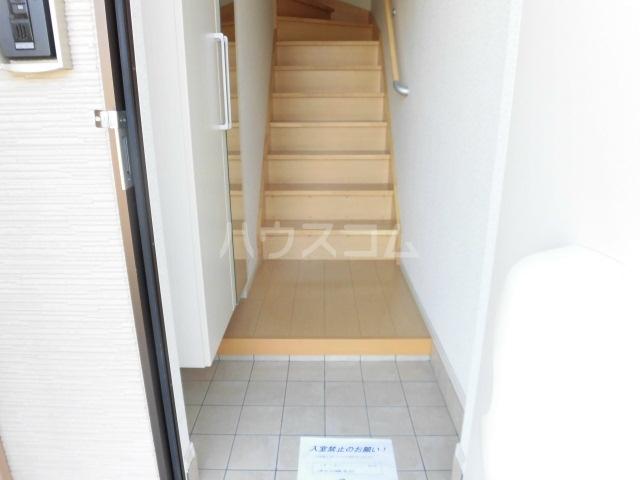シャイニー 02020号室の玄関