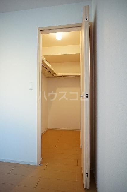 エレガンテ 01020号室の収納
