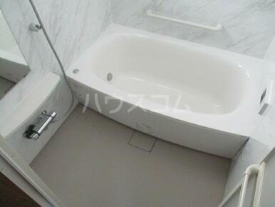 ルリオン助信 101号室の風呂