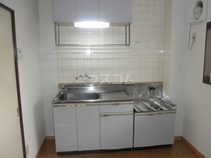 西グリーンハイツ 01040号室のキッチン