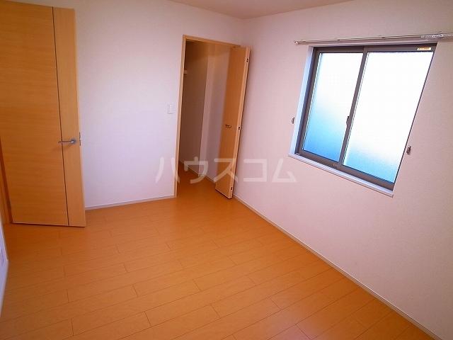 マーベラス C 01040号室の居室