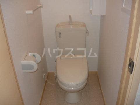ブリーズ ガーデン 02030号室のトイレ