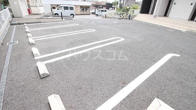 レジデンスヒルN Ⅶ 03020号室の駐車場