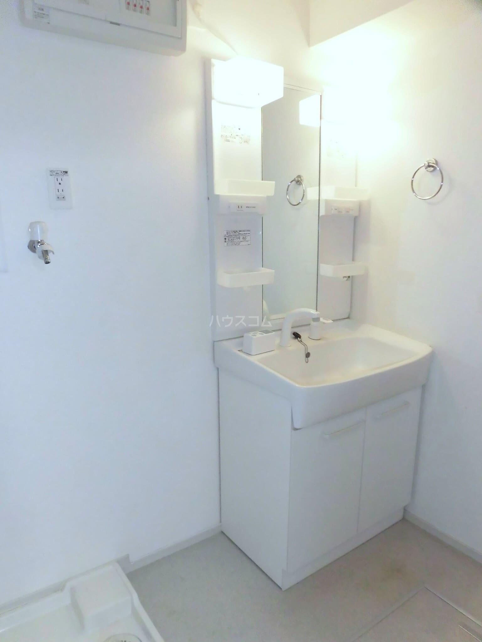 ベルクムント 02020号室の洗面所