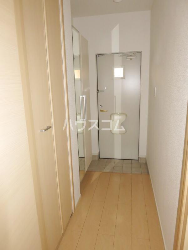 ラリック・ヒルB 01020号室の玄関