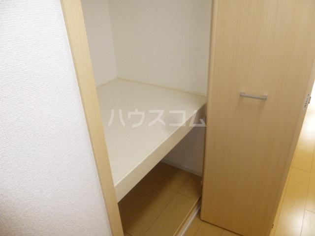 J・Kハイツ加賀 03030号室の収納