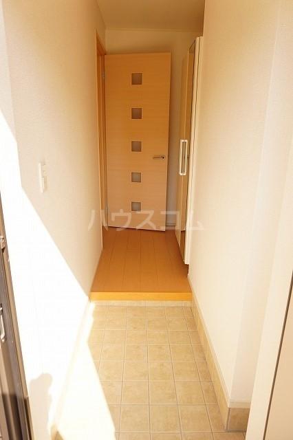 エム・グランツ B 01010号室の玄関