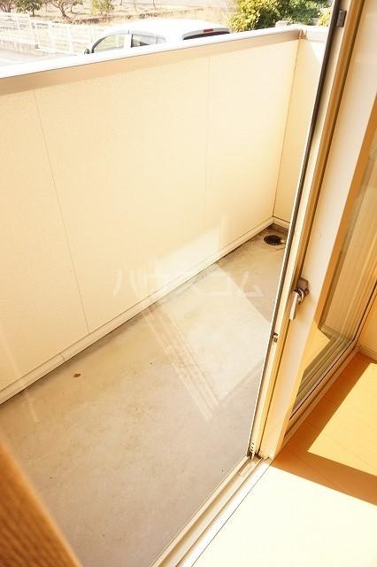 エム・グランツ B 01010号室のバルコニー