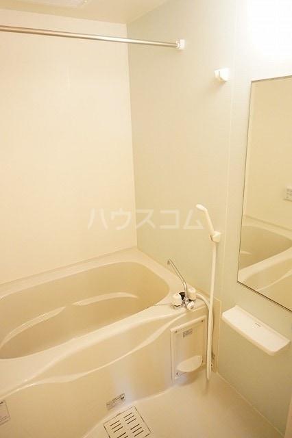 エム・グランツ B 01010号室の風呂