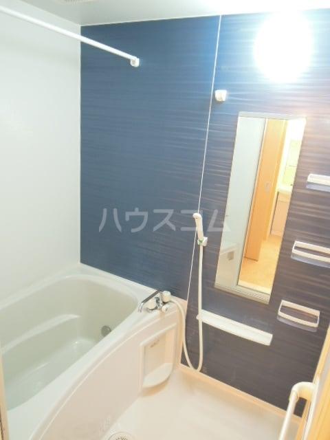 ジェルメ・メゾンM.3号館 02020号室の風呂