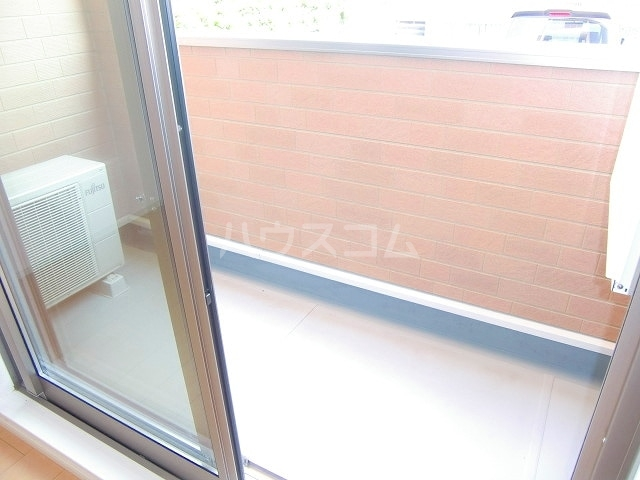 フリルフスリフ 01010号室のバルコニー
