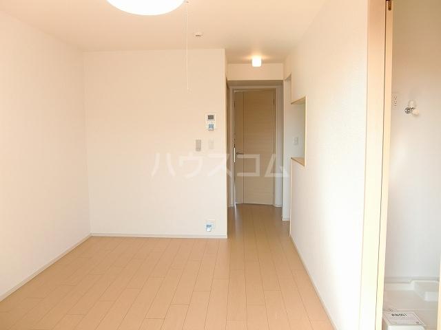 フリルフスリフ 02020号室のリビング