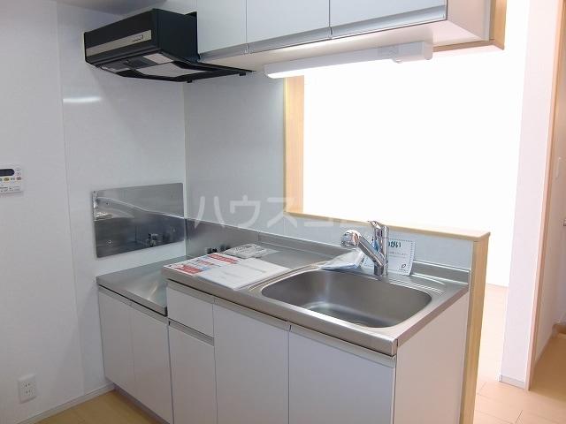 フリルフスリフ 02020号室のキッチン