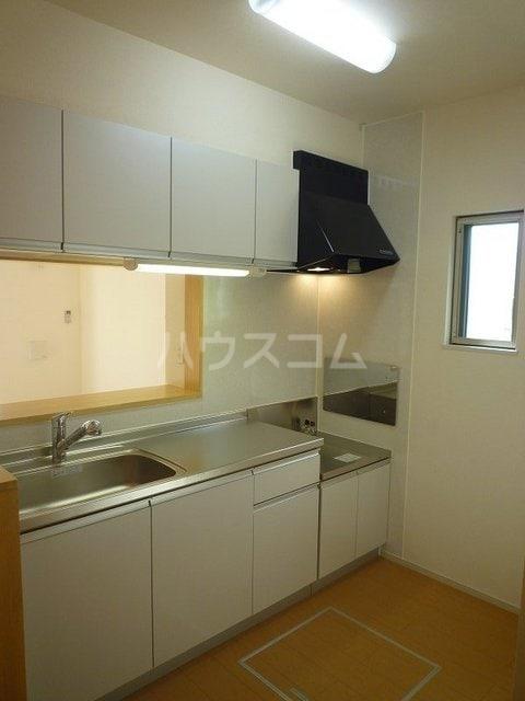 グランドライフ 01010号室のキッチン