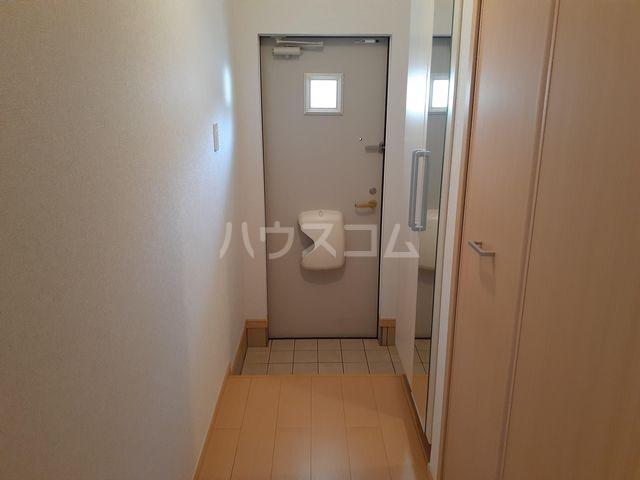 フェアリー 01030号室の玄関