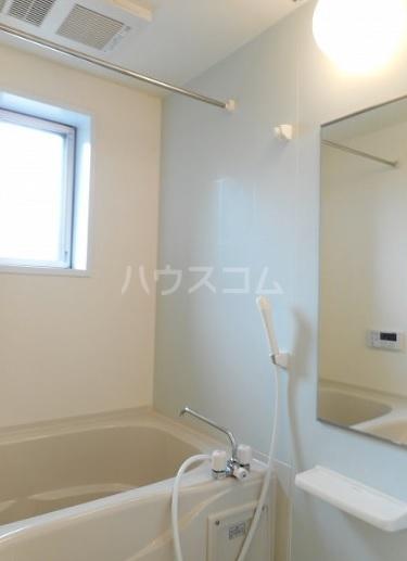 ヴィラ・立川 01010号室の風呂