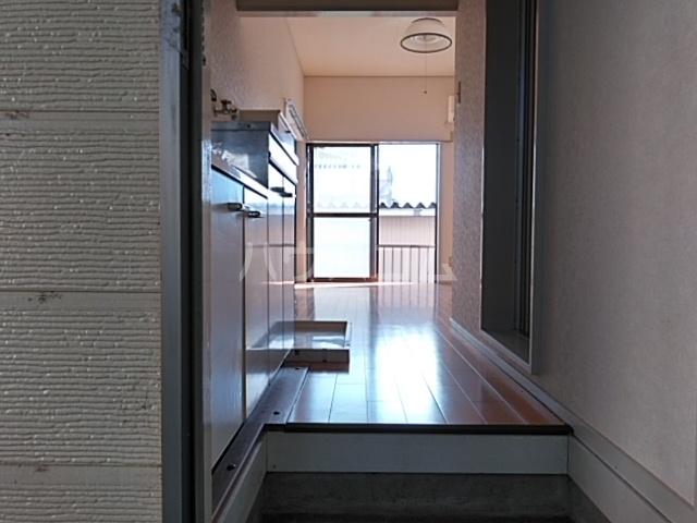 第3ファミリーハイツ 106号室の玄関