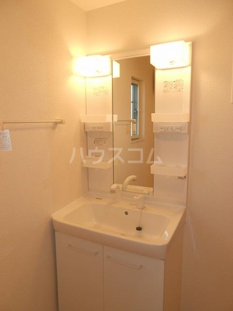 アイリー新瑞 02020号室の洗面所