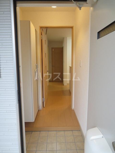 シャルマン M 01020号室の玄関