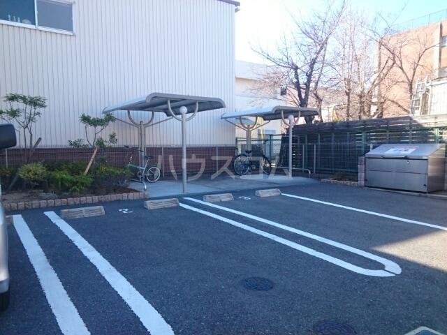 ポライトリー 02010号室の駐車場
