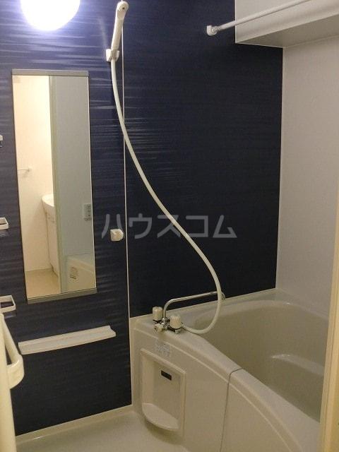 マルベリーⅠ 01020号室の風呂
