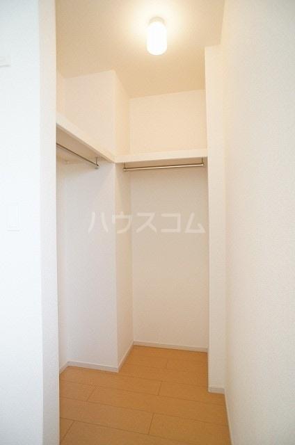 プリムローズ・ヴィラA 01030号室の収納