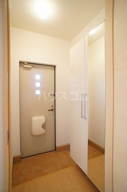 プリムローズ・ヴィラA 01030号室の玄関