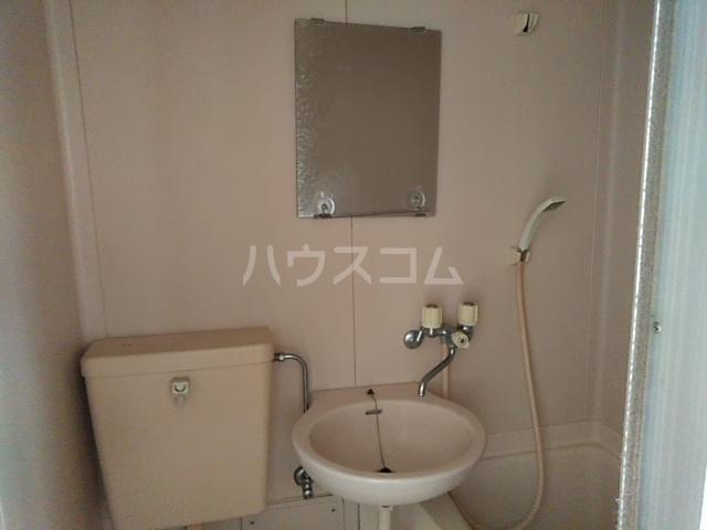 第5ファミリーハイツ 102号室の洗面所
