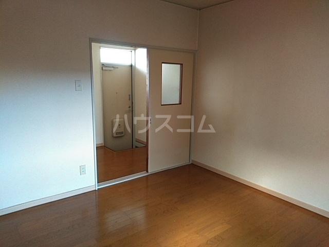 第5ファミリーハイツ 102号室のベッドルーム