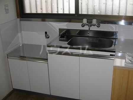 アイボリーハイツ 103号室のキッチン