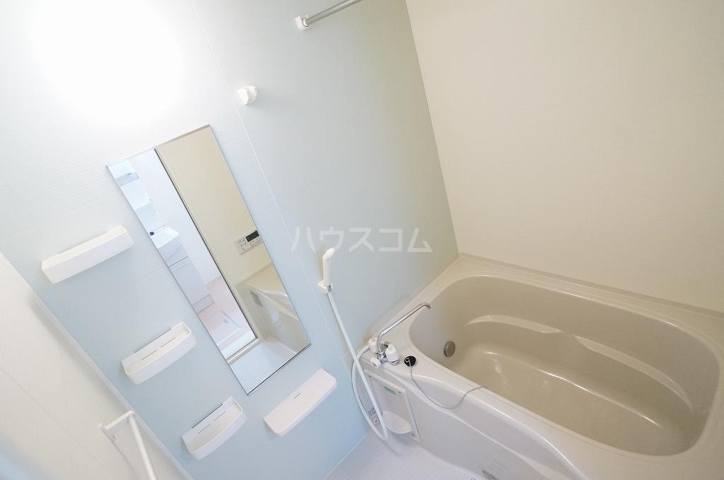 レガーロ Ⅳ番館 02010号室の風呂