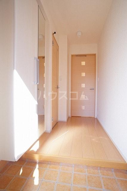 ロイデ ナチューレ A 01030号室の玄関