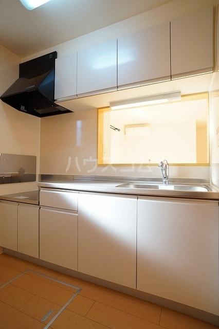 ロイデ ナチューレ A 01030号室のキッチン