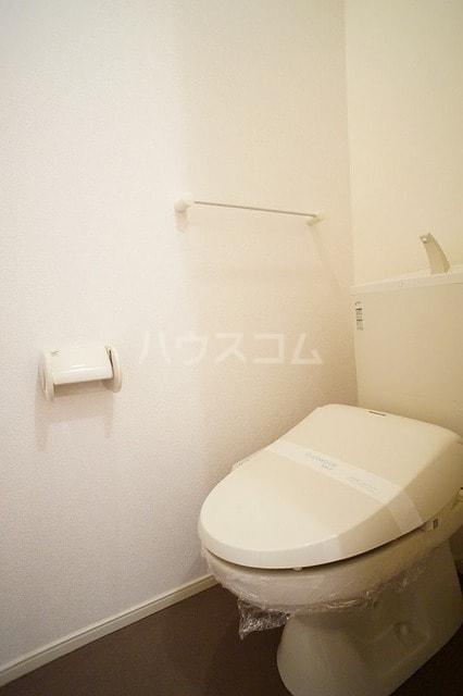 ロイデ ナチューレ A 01030号室のトイレ