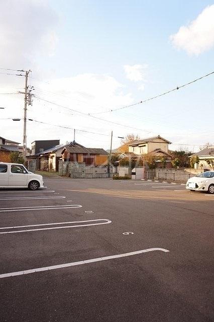 サンシャイン 02030号室の駐車場