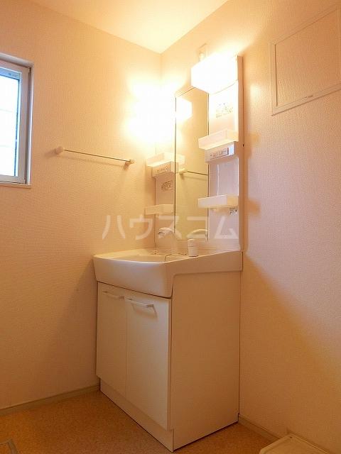 ベルテラスⅡ 02050号室の洗面所