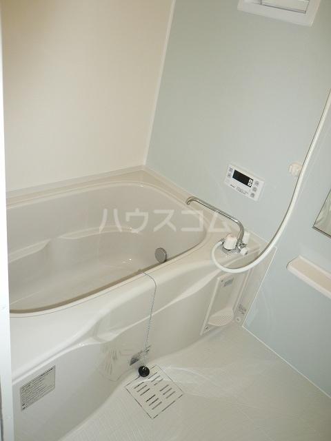 ラザレ 02020号室の風呂