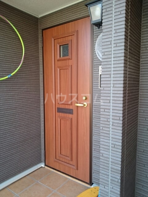 ラザレ 02020号室の玄関