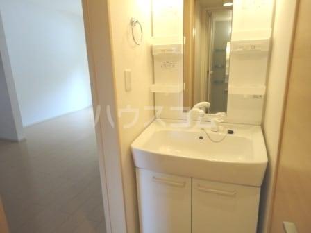 ヨットン・ハウスⅢ 01020号室の洗面所