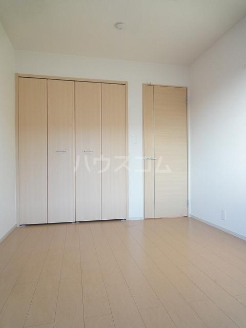 メゾンベルデ B 01020号室のベッドルーム
