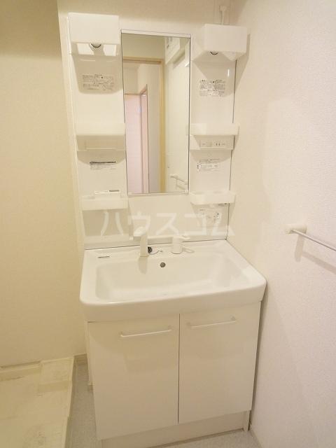 メゾンベルデ B 01020号室の洗面所