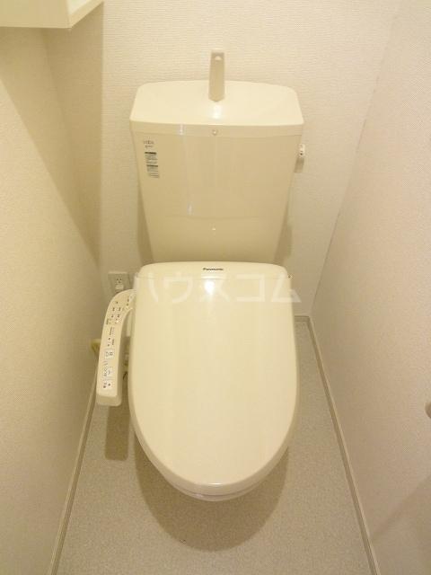 メゾンベルデ B 01020号室のトイレ