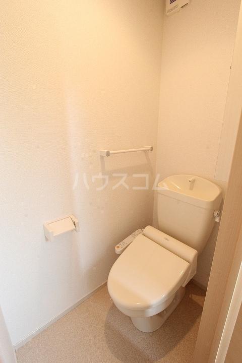 ヴァーサ清水ケ岡 02030号室のトイレ