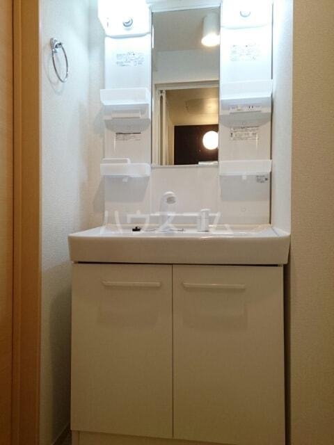 サリナス 03020号室の洗面所