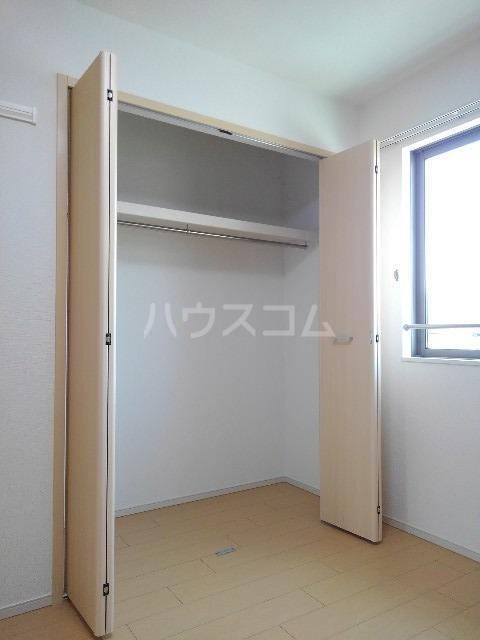 ハピネス K 02010号室の玄関