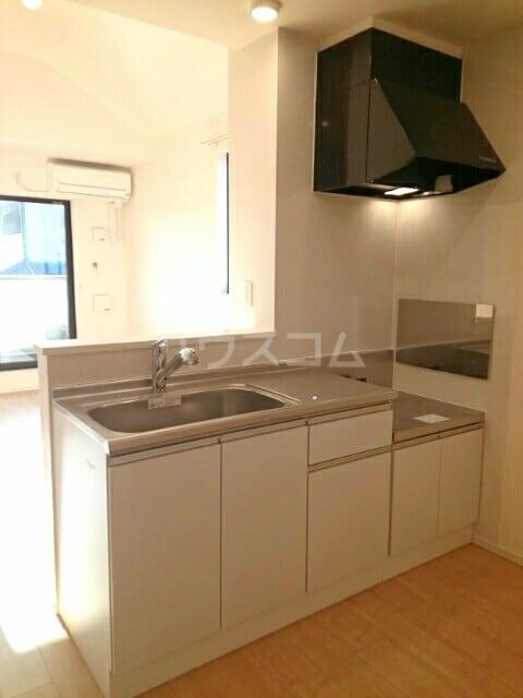 シャルマン・ドミール Ⅲ 02040号室のキッチン